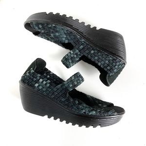 Seven Sisters Open Toe Wedge Weave Shoes